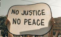 Συνθήκες «έκτακτου ειδικού δικαστηρίου» στο Εφετείο παρουσία χιλιάδων εκπαιδευτικών – Σκοτεινές εποχές προκατασκευασμένων διαδικασιών και προειλημμένων αποφάσεων θύμισε η διαδικασία